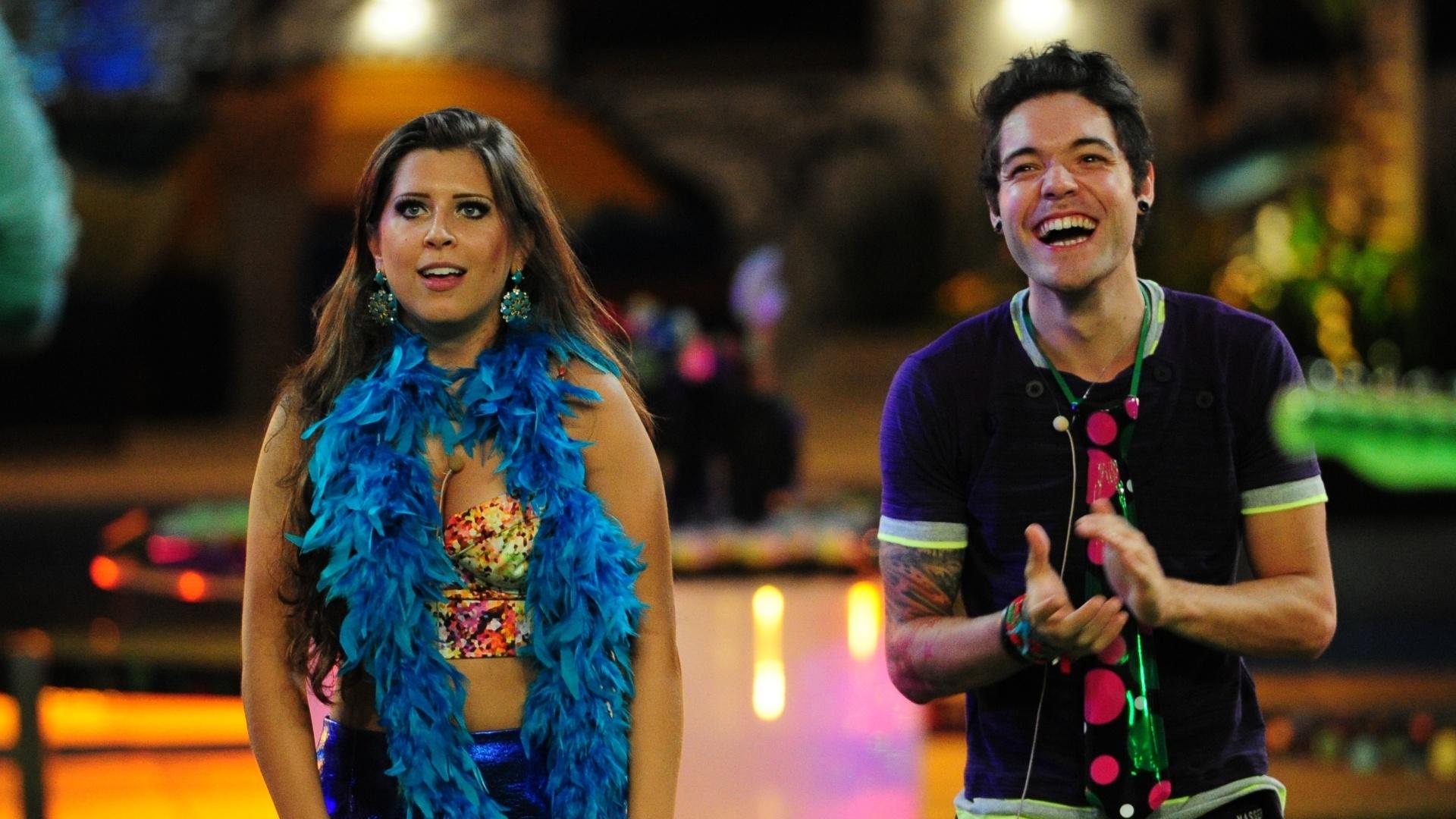 20.mar.2013 - Andressa e Nasser dançam durante apresentação da dupla Fernando & Sorocaba