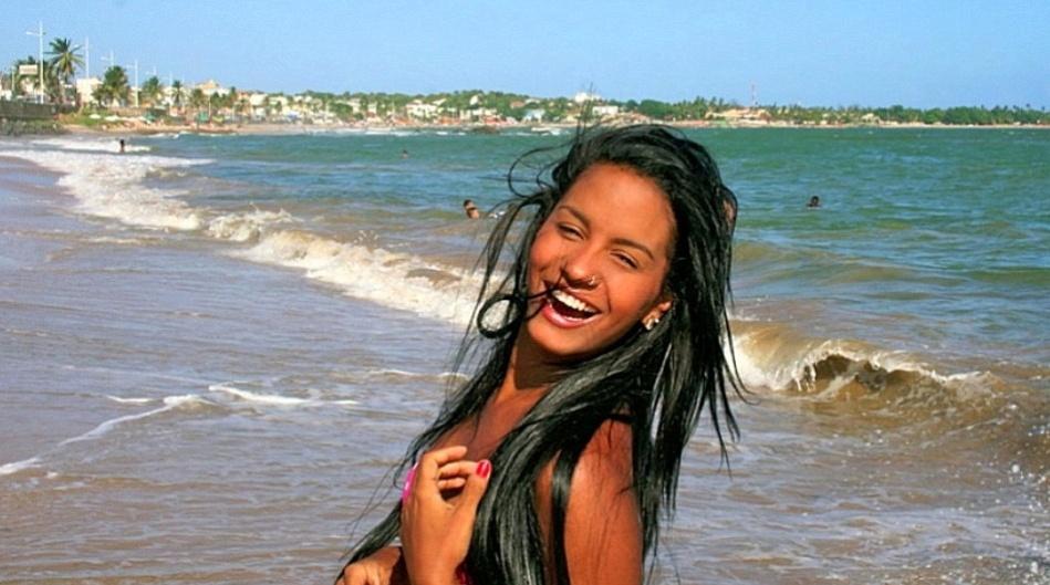 Isis Rosário, torcedora do Bahia, se inscreveu no Belas da Torcida 2013