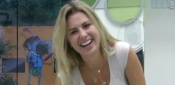 26.mar.2013 - Fernanda imita o cantor Israel Novaes dançando