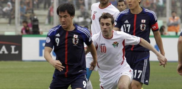 Japão precisava de um empate na Jordânia, mas perdeu por 2 a 1 e ainda não se garantiu na Copa