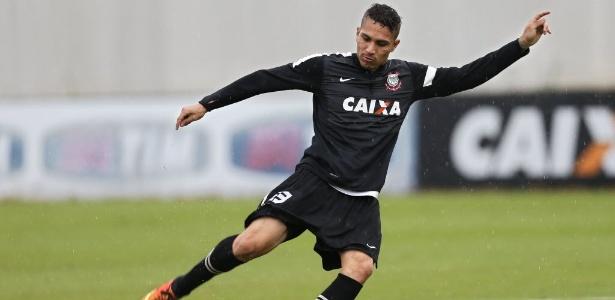 Peruano Paolo Guerrero pode desfalcar o Corinthians no clássico contra o São Paulo