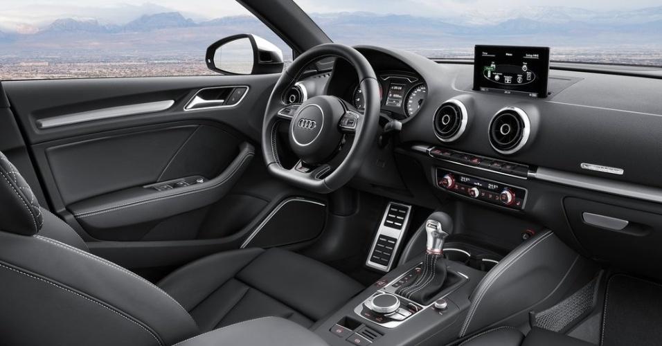 Audi A3 Sedan (versão S3)