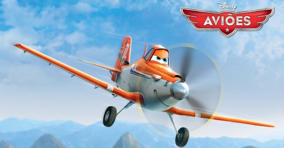 """Dusty (voz de Dane Cook) é um avião pulverizador agrícola profissional, que tenta participar de uma corrida internacional. O fato de ele não ser realmente construído para ser veliz velocidade não o impede de perseguir seu sonho ? mas seu medo de altura talvez se encarregue disso. Derivado de """"Carros"""", """"Aviões"""" da Disney deve estrear no Brasil no dia 13 de setembro em cópias 3D. O filme, porém, não tem a participação da Pixar."""