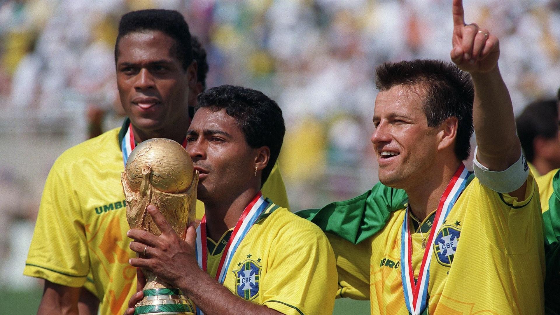 O Brasil tetracampeão de 1994 nos EUA também levava a marca da Umbro na camisa