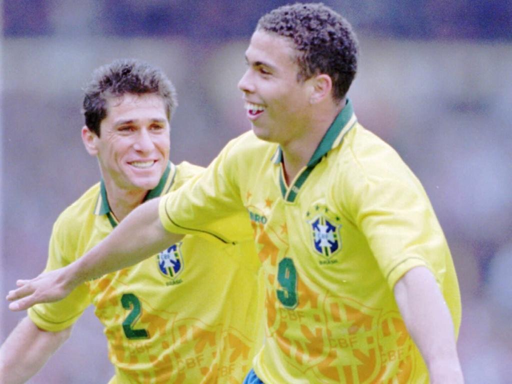 Ronaldo também chegou a usar a camisa da seleção brasileira com a Umbro no peito, em torneio em 1995
