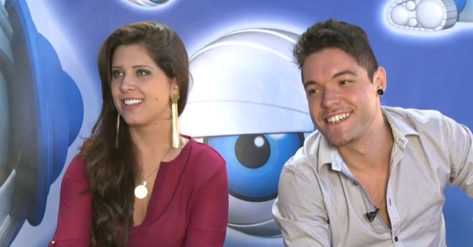 27.mar.2013 - Andressa e Nasser revelam que irão fazer tatuagem de estrela por terem chego juntos à final do