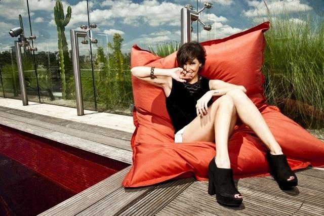 27.mar.2013 - Deborah Secco posa para a revista