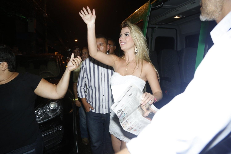 27.mar.2013 - Fernanda, vencedora do reality show, chega à festa do