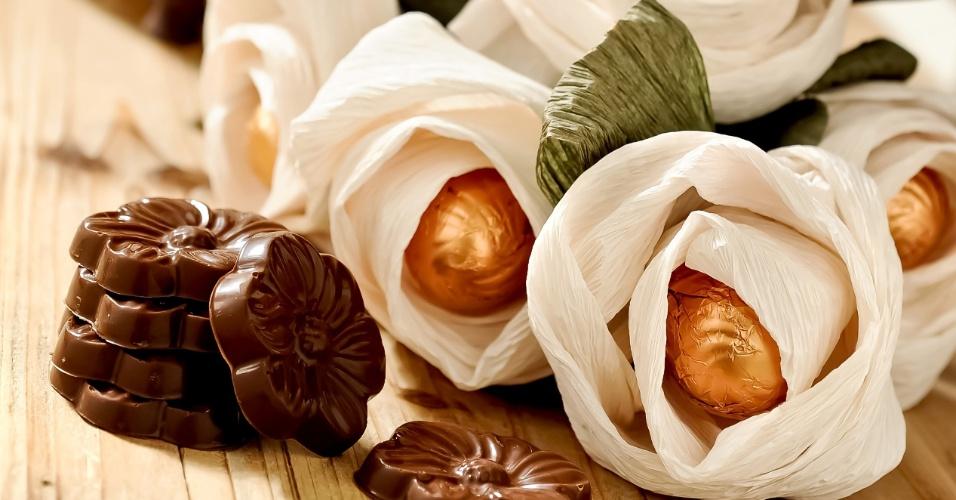 Flores artesanais com miolo de Gianduia; da Tchocolath (www.tchocolath.com.br), por R$ 8 (unidade). Preço pesquisado em março de 2013 e sujeitos a alterações