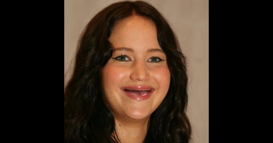 O Tumblr &#39;Actresses Without Teeth&#39; (atrizes sem dentes) re&#250;ne fotos de atrizes em que usu&#225;rios da web retiraram os dentes usando editores de imagens. Na foto, Jennifer Lawrence