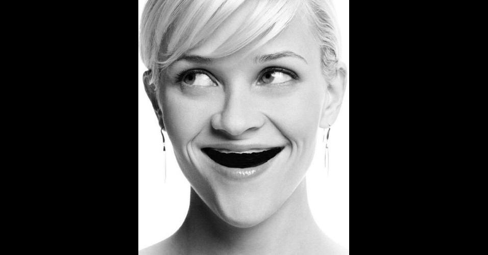 O Tumblr 'Actresses Without Teeth' (atrizes sem dentes) reúne fotos de atrizes em que usuários da web retiraram os dentes usando editores de imagens. Na foto, Reese Witherspoon