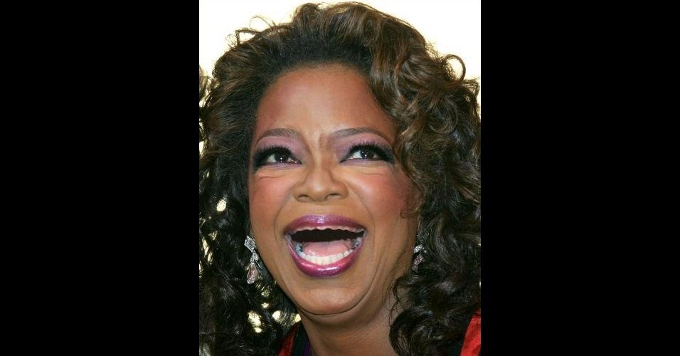 O Tumblr 'Actresses Without Teeth' (atrizes sem dentes) reúne fotos de atrizes que tiveram os dentes retirados com editores de imagens. Na foto, Oprah