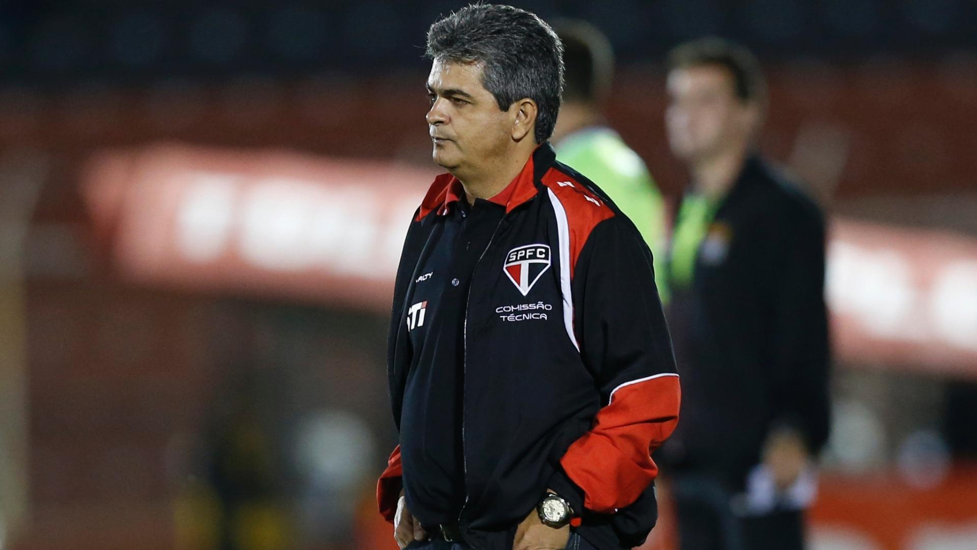 27-03-2013 - Ney Franco observa vitória do São Paulo em cima do Paulista