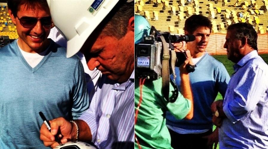 28.mar.2013 - Durante visita ao estádio do Maracanã, no Rio, Tom Cruise ganhou uma bola autografada pelo ex-jogador Zico