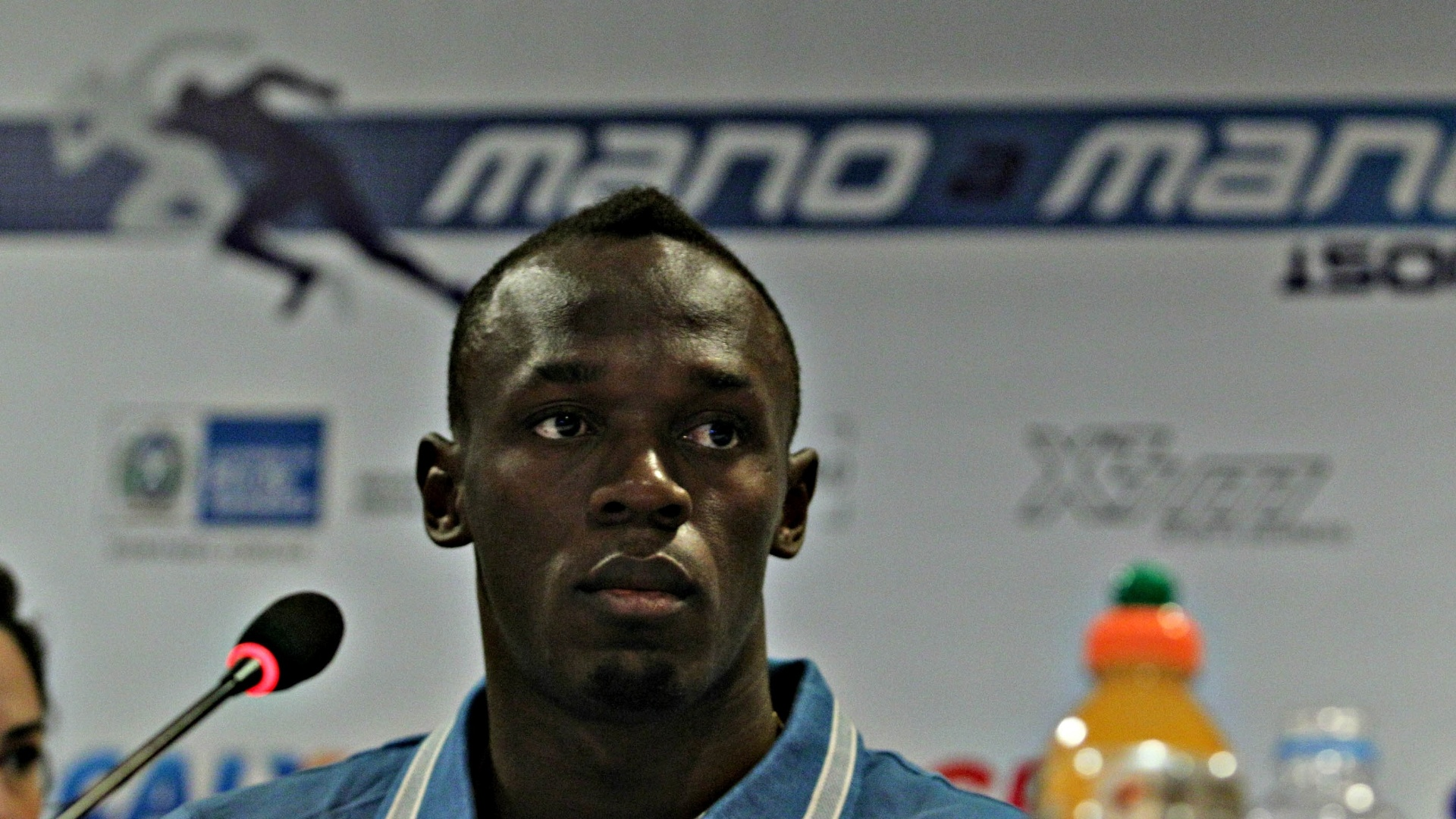 28.mar.2013 - O velocista jamaicano Usain Bolt durante entrevista coletiva no Rio de Janeiro, onde está para competir na praia de Copacabana em prova de 150 m no próximo domingo