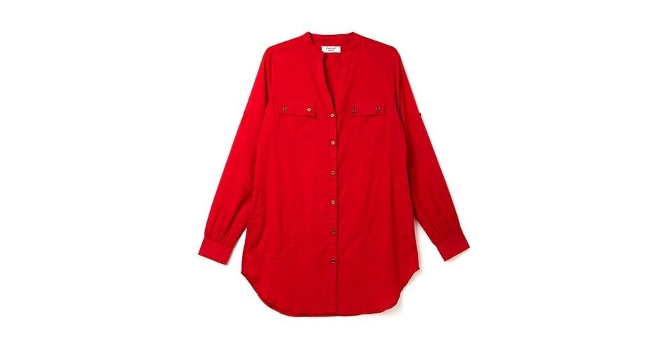Camisa de mangas longas em tom vermelho alaranjado; R$ 59,99, na Marisa (www.marisa.com.br). Preço pesquisado em março de 2013 e sujeito a alterações