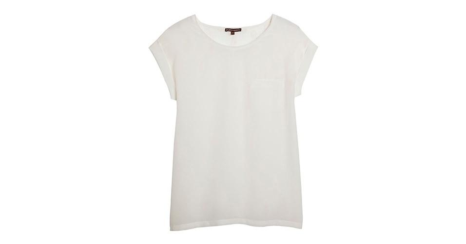 Camiseta branca de seda; R$ 598, na Bo.Bô (Tel.: 11 3062-8145). Preço pesquisado em março de 2013 e sujeito a alterações