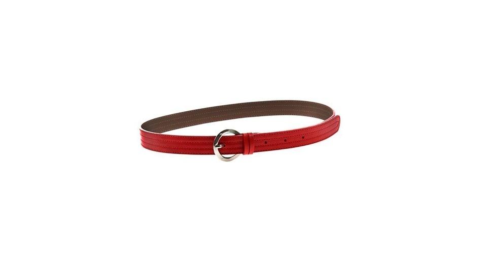 Cinto fino vermelho; R$ 9,90, na Airu (www.airu.com.br). Preço pesquisado em março de 2013 e sujeito a alterações