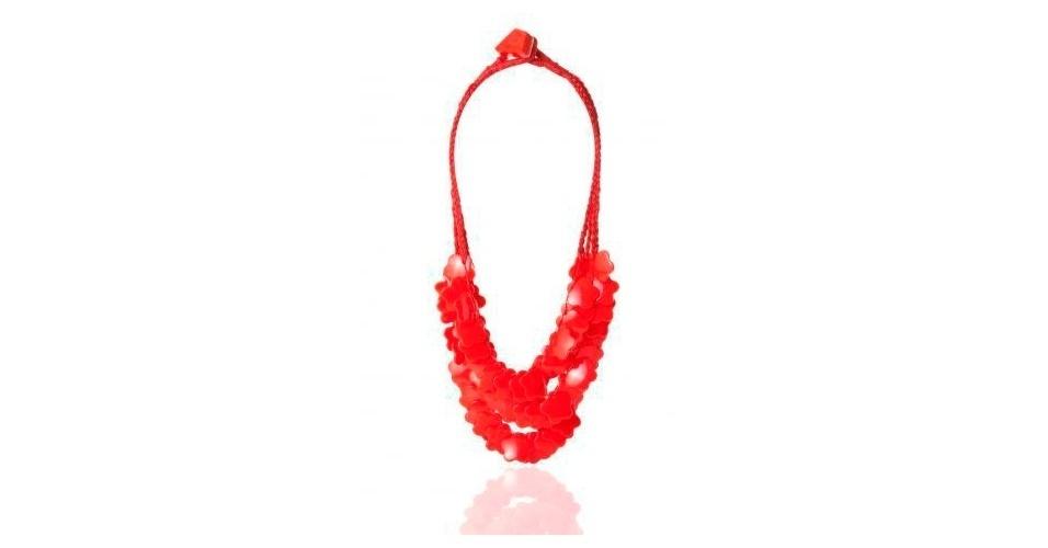 Maxicolar vermelho; R$ 164, na Airu (www.airu.com.br). Preço pesquisado em março de 2013 e sujeito a alterações