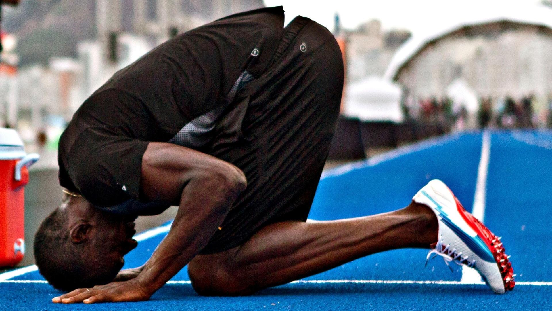 29.03.2013 - Usain Bolt treinou nesta sexta-feira na Praia de Copacabana para o evento no domingo no Rio de Janeiro