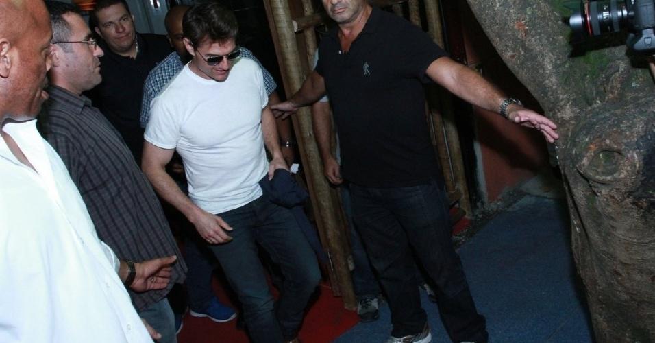 29.mar.2013 - Tom Cruise almoçou no restaurante Aprazível, em Santa Teresa, no Rio. Ele chegou ao local por volta das 16h30 e só foi embora às 19h