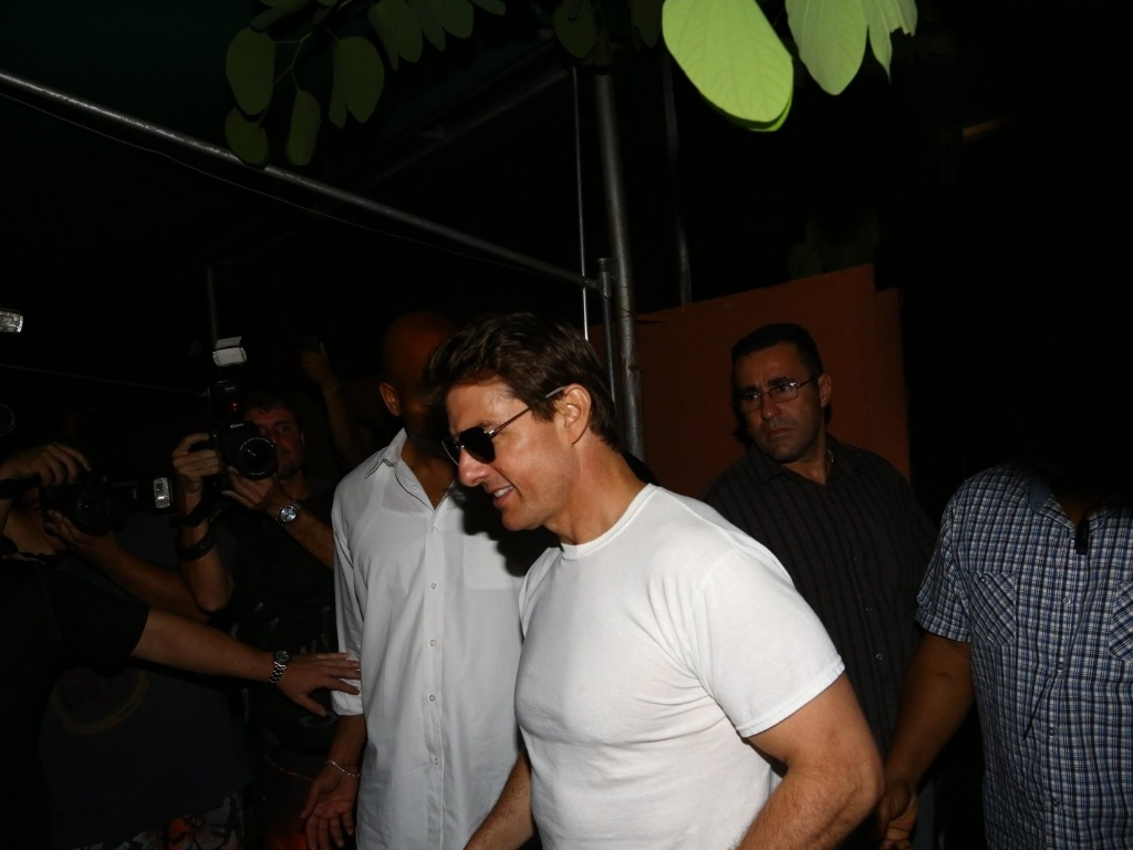 29.mar.2013 - Tom Cruise almoou no restaurante Aprazvel, em Santa Teresa, no Rio. Ele chegou ao local por volta das 16h30 e s foi embora s 19h