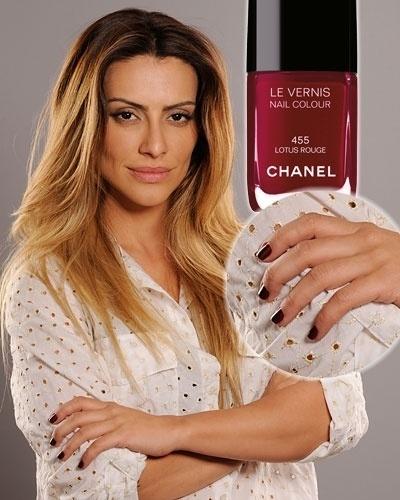 """Esmalte de novela - """"Salve Jorge"""" - Bianca - Lotus Rouge, Chanel"""