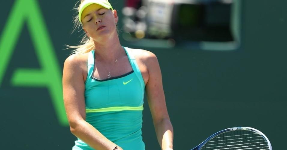 30.mar.2013 - Maria Sharapova lamenta ponto perdido no segundo set da final do torneio de Miami