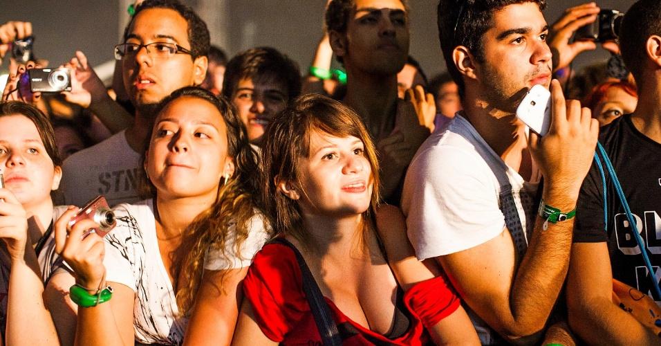 30.mar.2013 - Um dos shows mais aguardados do festival, o Black Keys fechou as apresentações no palco Cidade Jardim no segundo dia do Lollapalooza Brasil 2013