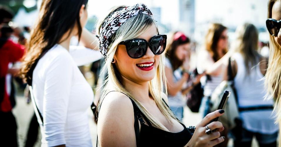 30.mar.2013: Público aproveita dia ensolarado para exibirem seus óculos escuros