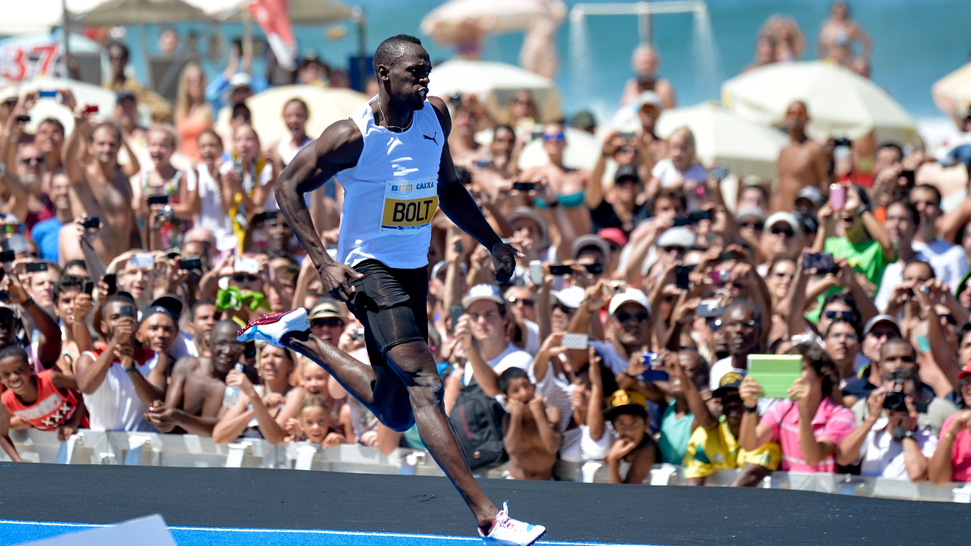 31.mar.2013 - Bolt vence desafio de 150m no Rio de Janeiro, mas sem bater recorde