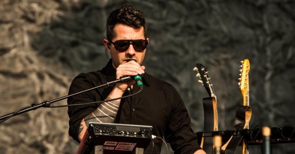 31.mar.2013 - O grupo Puscifer se apresenta no palco Cidade Jardim no terceiro dia do Lollapalooza 2013, em São Paulo