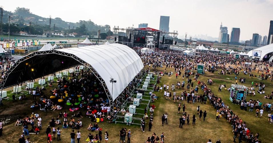 31.mar.2013 - Visão do Jockey Club de São Paulo durante o terceiro dia do Lollapalooza Brasil