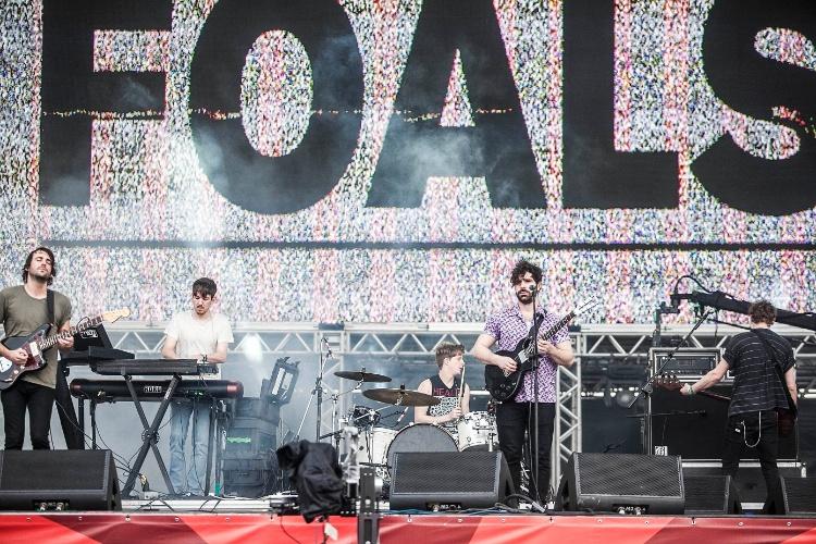 31.mar.2013:  Foals, banda de Oxford, na Inglaterra, toca no palco Butantã