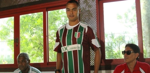 Dodô é apresentado como reforço do Barra da Tijuca, da série B do Carioca