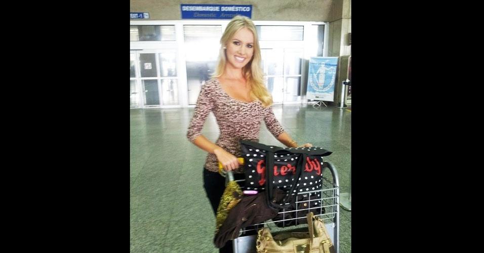 31.mar.2013 - Miss Ilha dos Lobos World 2013, Sancler Frantz foi uma das primeiras a chegar, em pleno domingo de Páscoa, para o concurso, que começa nesta segunda (1º)