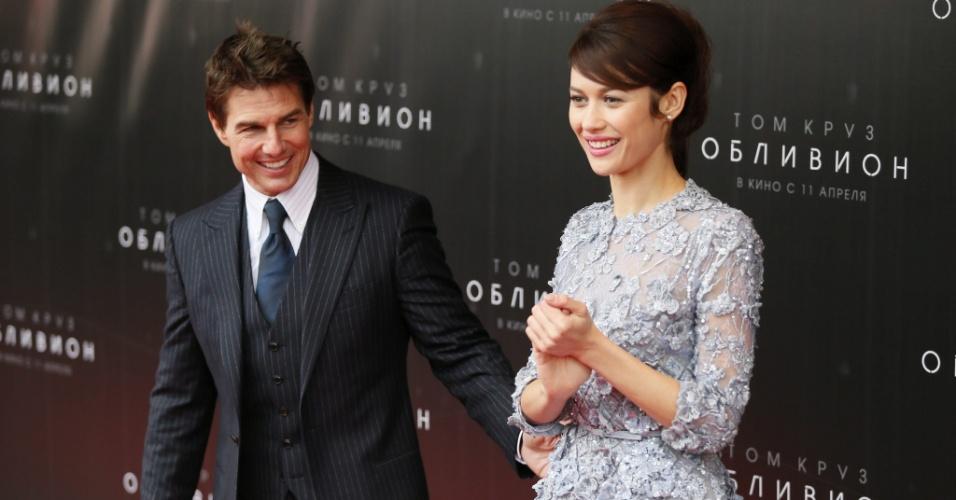 """1.abril.2013 - Depois de uma passagem pelo Rio de Janeiro para divulgar o filme """"Oblivion"""", Tom Cruise já está em Moscou, na Rússia"""