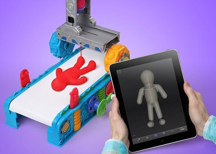 2013 - De olho na popularização das impressoras 3D, o site ThinkGeek anunciou uma alternativa para crianças. O produto elaborado para o dia 1º de abril receberia informações do iPad, que enviaria os comandos para impressão. Anunciada como a impressora 3D mais econômica (e segura para crianças, pois usa massinha), seu falso preço é de US$ 50 (cerca de R$ 100)