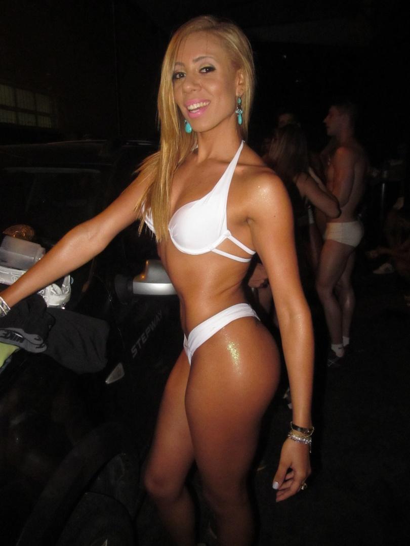 Juliana Valeriano está na disputa para representar o Santa Cruz no Belas da Torcida 2013