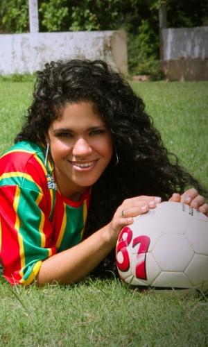 Torcedora do Sampaio Correa, Erika Cordeiro tenta representar o clube no Belas da Torcida 2013