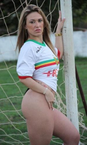Wennia Batista deseja representar o Sampaio Correa no Belas da Torcida 2013
