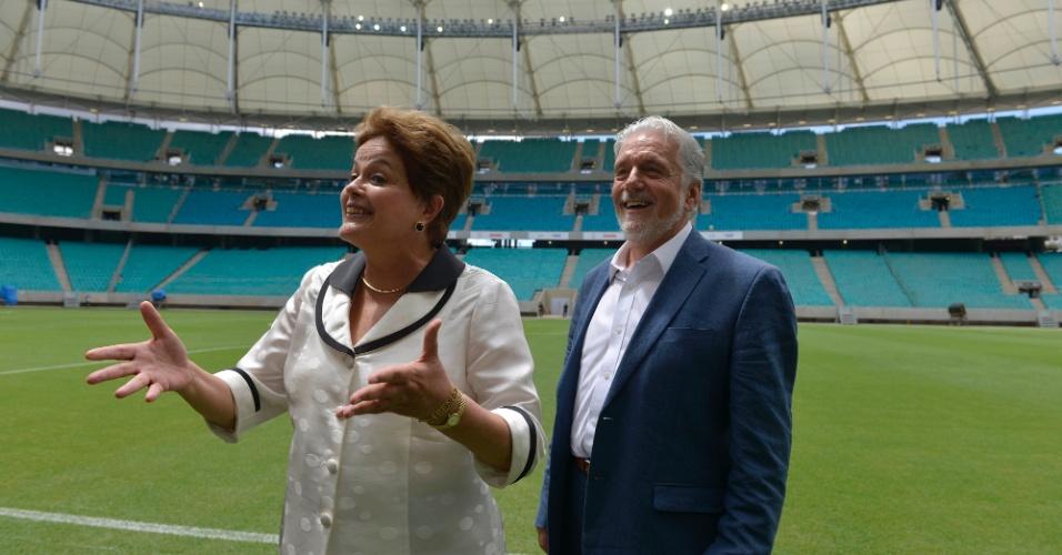 05.abr.2013 - A presidente Dilma Rousseff sorri ao discursar na inauguração da Arena Fonte Nova nesta sexta-feira