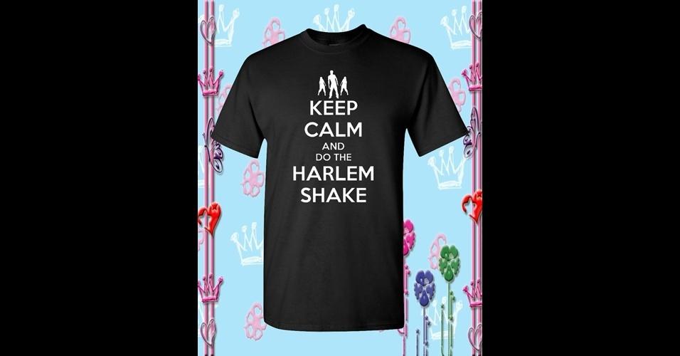 Essa peça traz dois memes em um: o Keep Calm com o Harlem Shake. De Lanut Fika, na Etsy, US$ 15,99 (R$ 32)