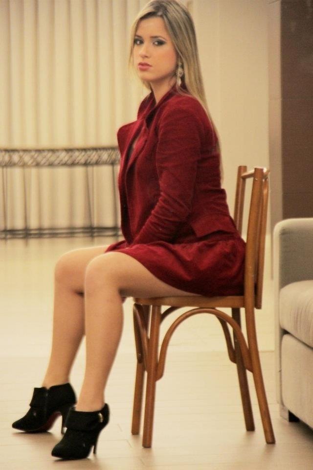 Karoliny Vieira está na briga para representar o Figueirense no Belas da Torcida 2013