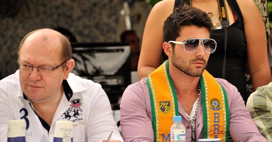 Mister Brasil 2012, William Rech, foi um dos jurados da prova