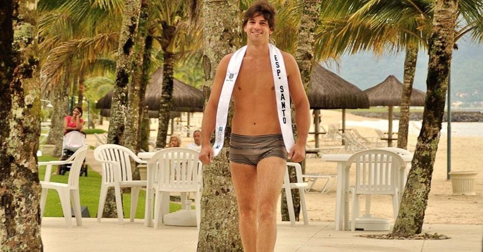 Mister Espírito Santo desfila de sunguinha no Portobello Safari e Resort, em Mangaratiba, no Rio de Janeiro