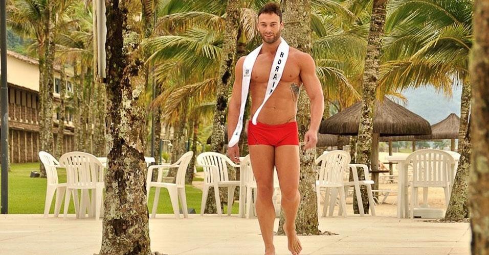 Mister Roraima desfila de sunguinha no Portobello Safari e Resort, em Mangaratiba, no Rio de Janeiro