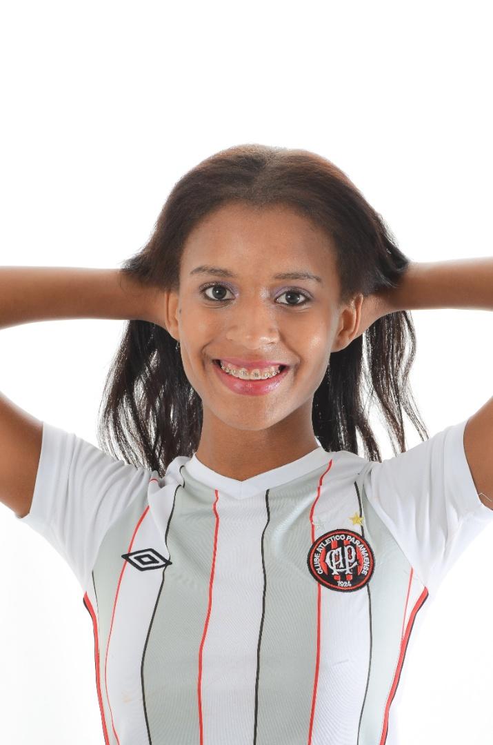 Torcedora do Atlético-PR, Virvy Ezequiel quer representar o clube no Belas da Torcida 2013