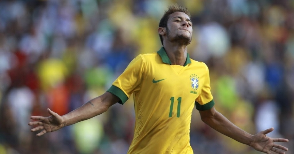 06.abr.2013 - Neymar comemora um dos gols do Brasil no duelo amistoso contra a Bolvia, em Santa Cruz de la Sierra