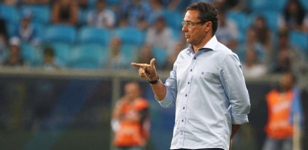 Vanderlei Luxemburgo pegou seis jogos de suspensão pela briga no Chile